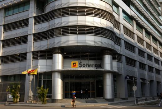 The Angolan State Oil Company (Sonangol) announced today it has signed a memorandum of understanding with two foreign aviation companies to reestructure its own Sonair company, which ensures air transport in the sector.